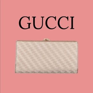 GUCCI 🔥🔥Authentic Vintage never used!!
